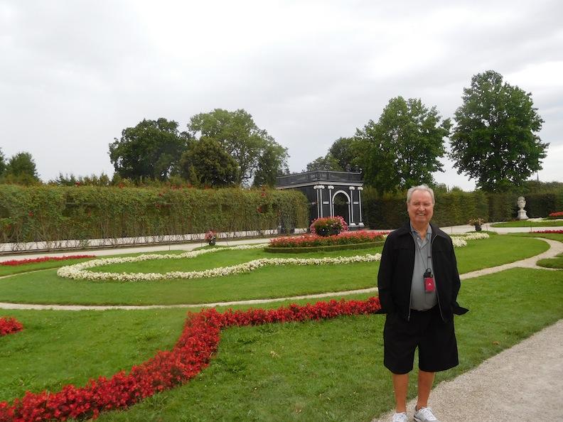 schonbrunn-garden